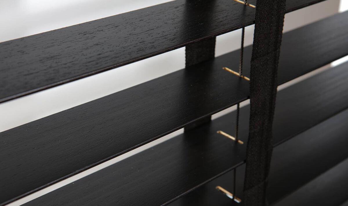 header-tende-in-legno-alla-veneziana-horizontal-blinds