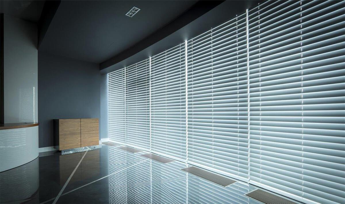 stile-70-mm-tende-alla-veneziana-in-legno-35-mm-style-70-mm-venetian-blinds
