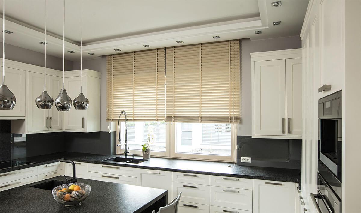 stile-bamboo-tende-alla-veneziana-in-legno-bamboo-style-wood-venetian-blinds